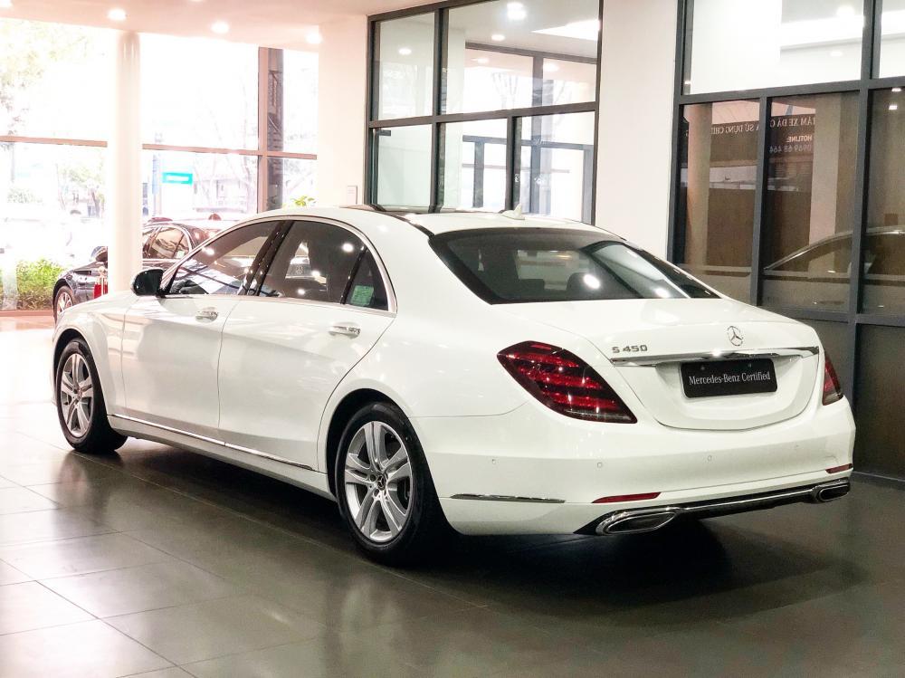Bán Mercedes S450L màu trắng - xe chính hãng đã qua sử dụng