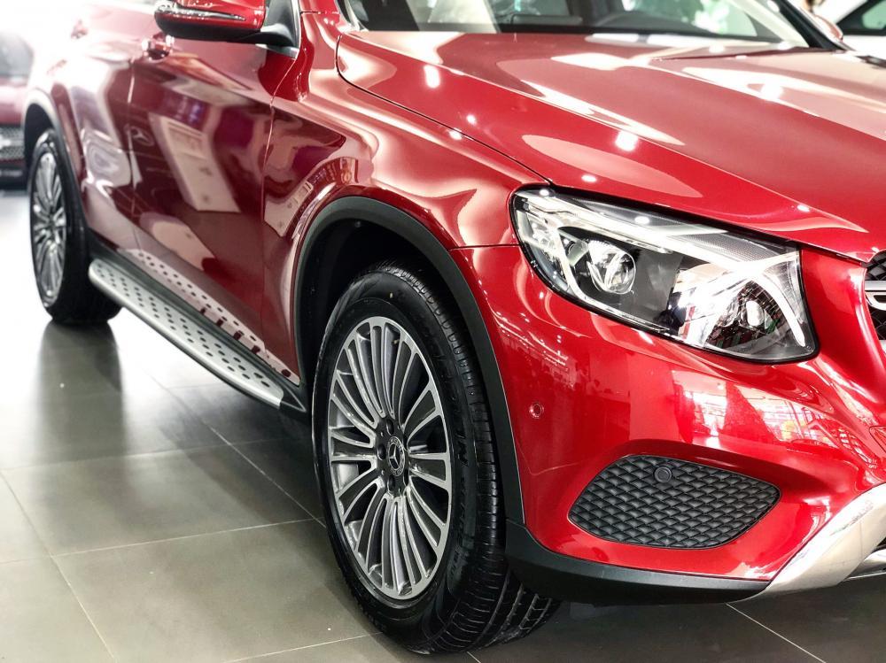 Bán Mercedes GLC250 2019 màu đỏ, siêu lướt, chính chủ giá tốt