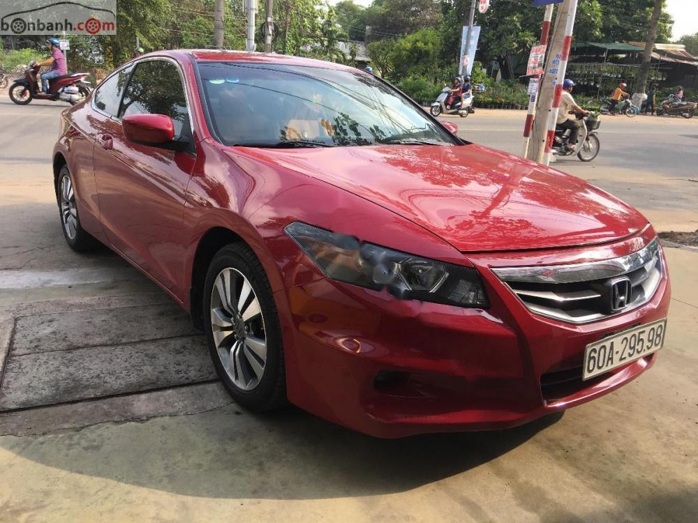 Cần bán Honda Accord 2010, màu đỏ, xe nhập, giá 850tr