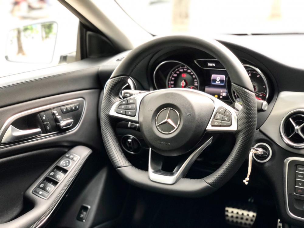 Bán Mercedes CLA250 2019 cũ chính chủ chạy lướt giá tốt