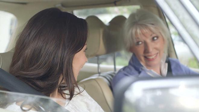 Chọn ghế ngồi trên ô tô sao cho lịch sự?