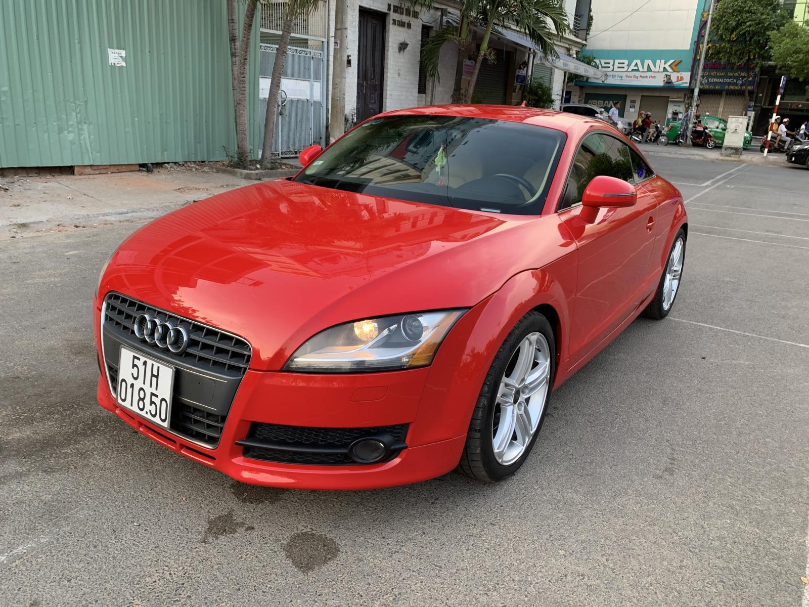 Audi TT coupe 2.0 turbo model 2010 màu đỏ, xe nhập