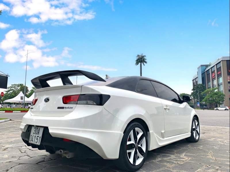 Bán xe Kia Forte Koup sản xuất năm 2010, màu trắng, nhập khẩu