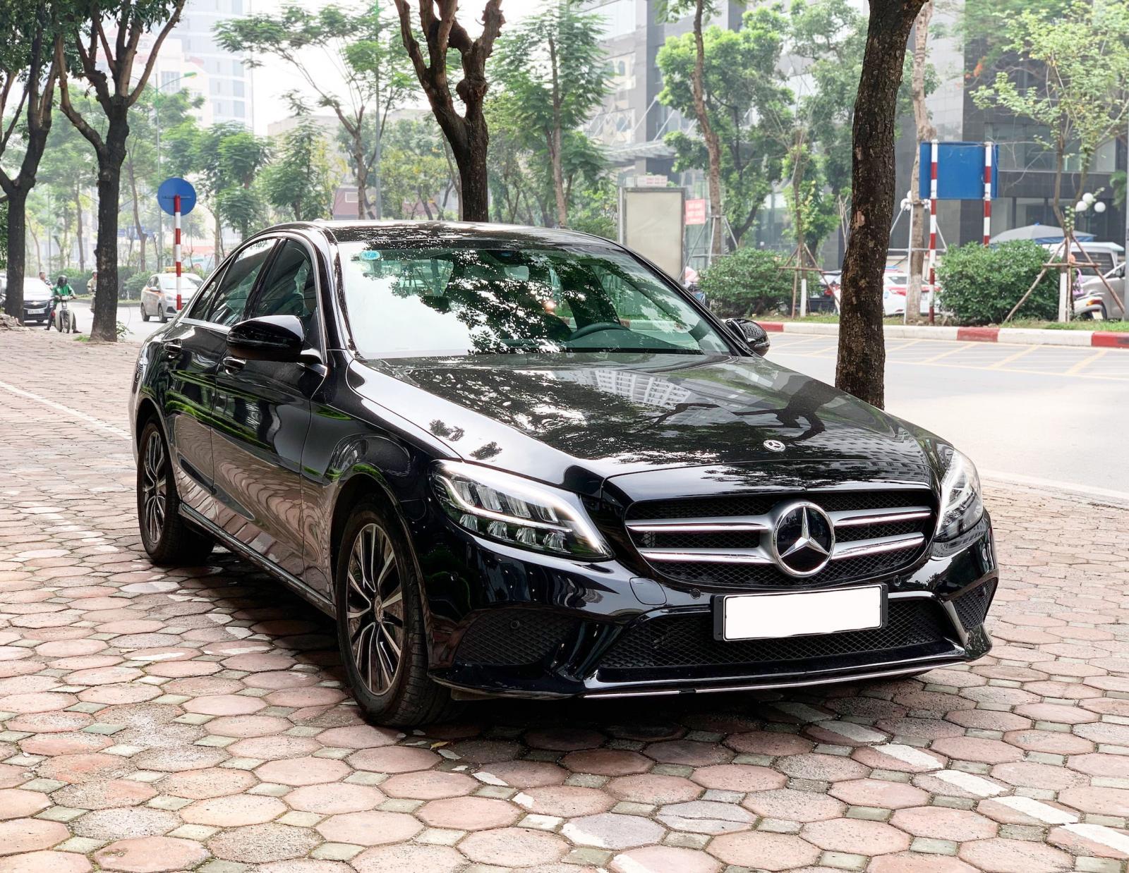Bán Mercedes C200 2019 cũ chính chủ chạy lướt giá cực tốt
