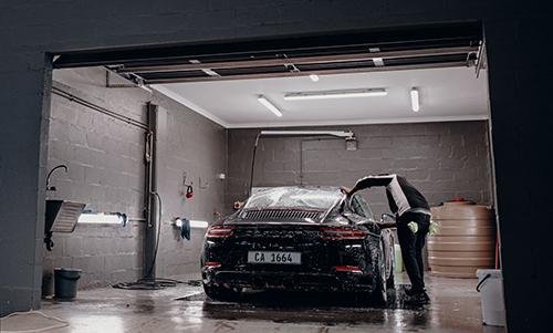Garage của giới nhà giàu khiến nhiều phát sốt 34a