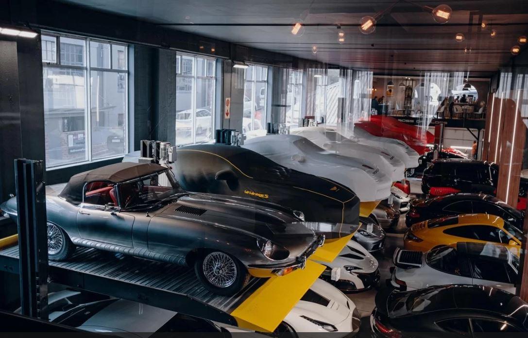 Garage của giới nhà giàu khiến nhiều phát sốt 4a
