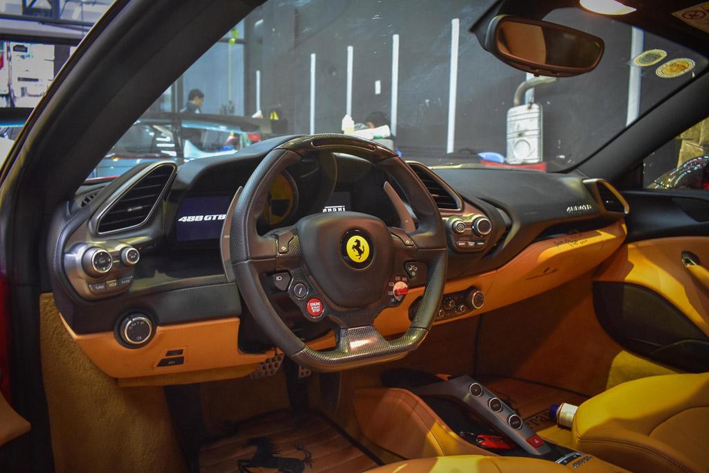 Ferrari 488 GTB độ Liberty Walk 9a