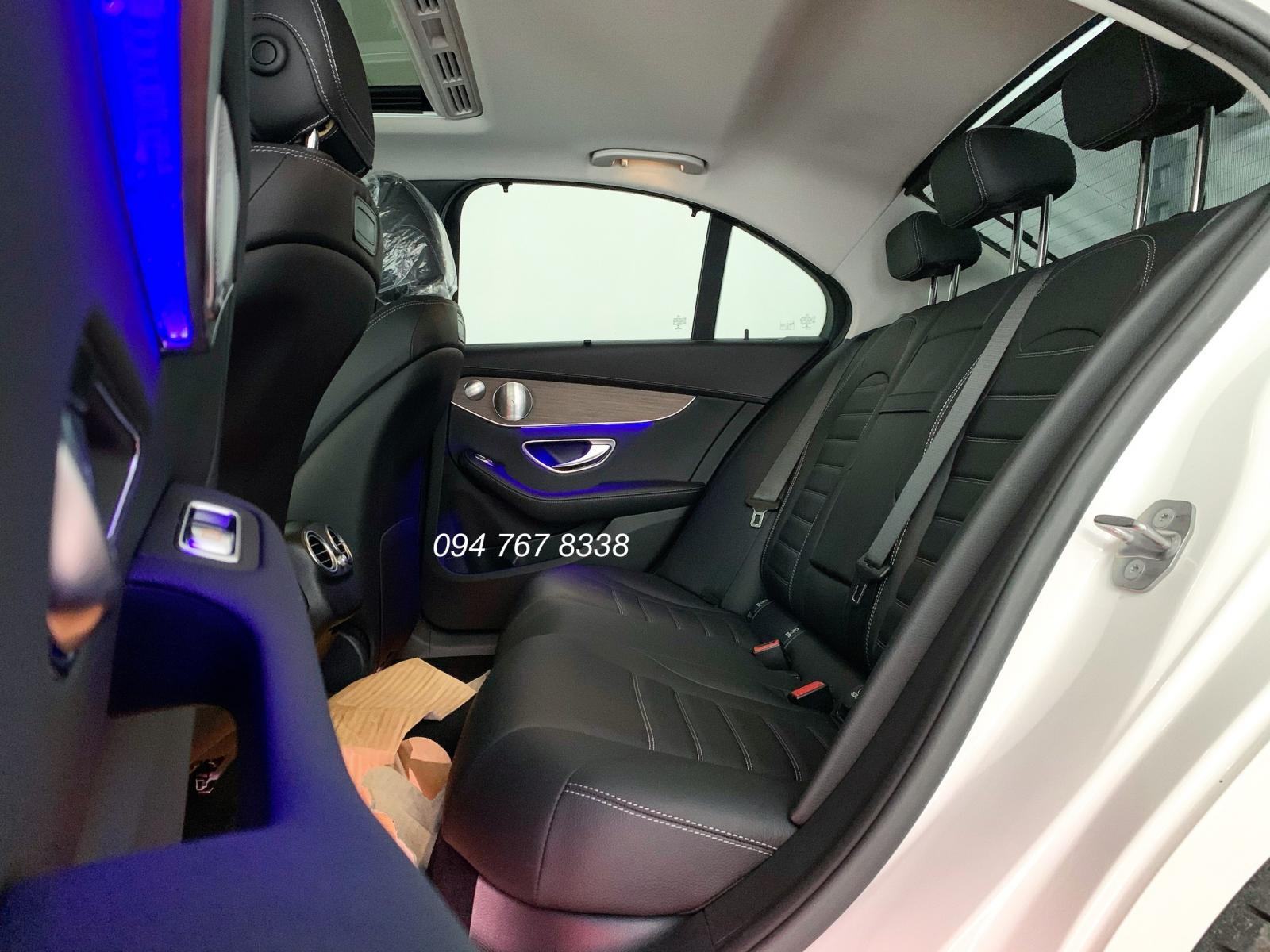 Bán Mercedes C200 Exclusive 2019 cũ màu trắng, biển đẹp giá cực tốt