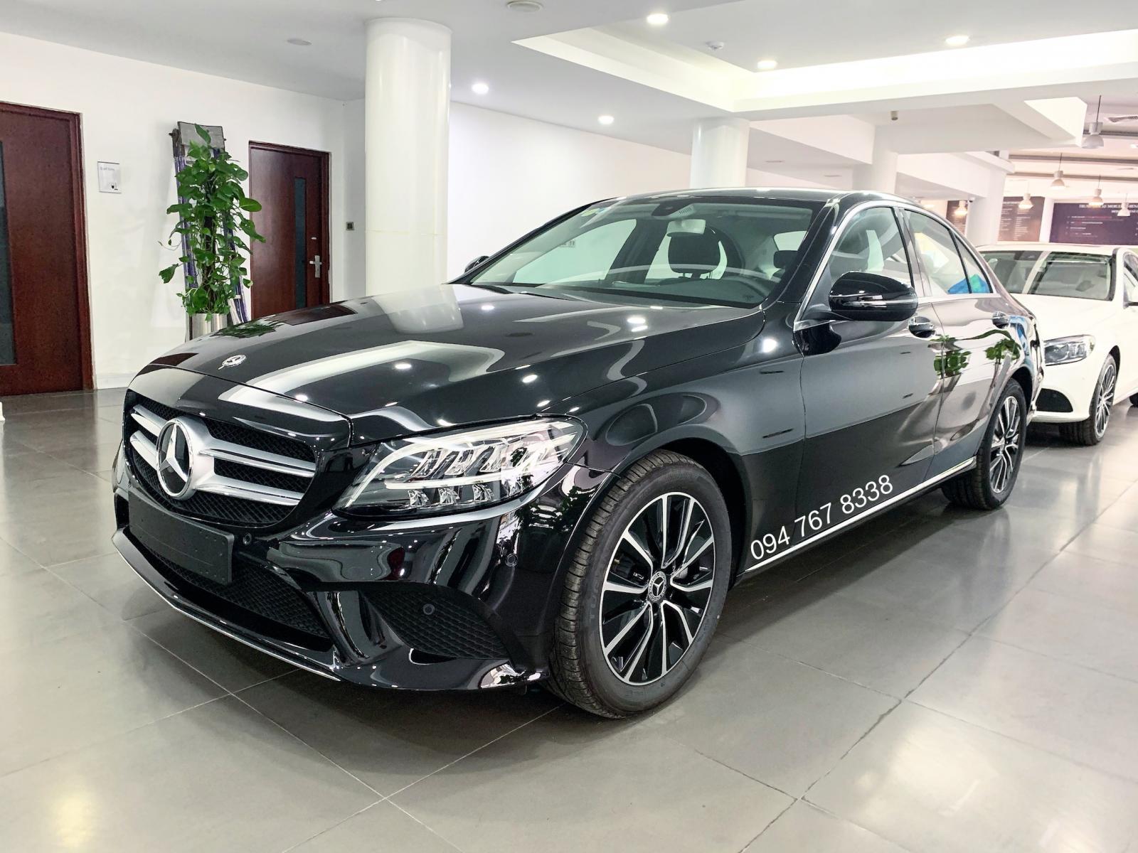 Bán Mercedes C200 2019 màu đen - xe đã qua sử dụng chính hãng