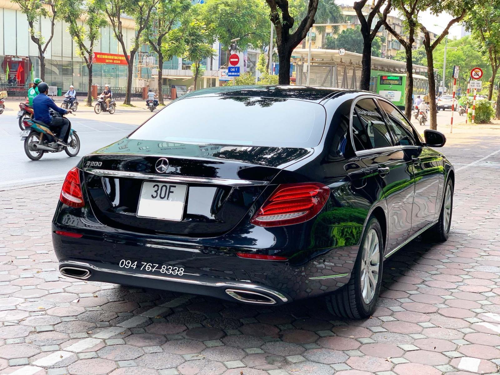 Bán Mercedes E200 2018 màu Đen chính chủ biển Hà Nội giá tốt