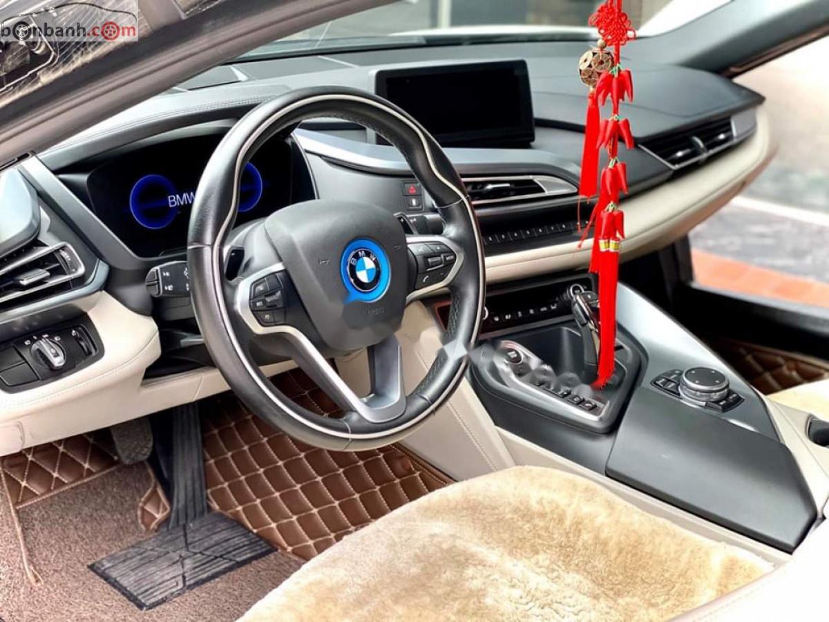 Bán BMW i8 sản xuất năm 2014, màu trắng, nhập khẩu nguyên chiếc