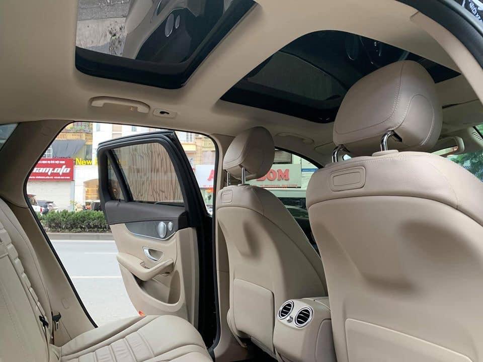 Xe cũ chính hãng Mercedes GLC300 2020 màu Đỏ nt Kem siêu lướt giá tốt