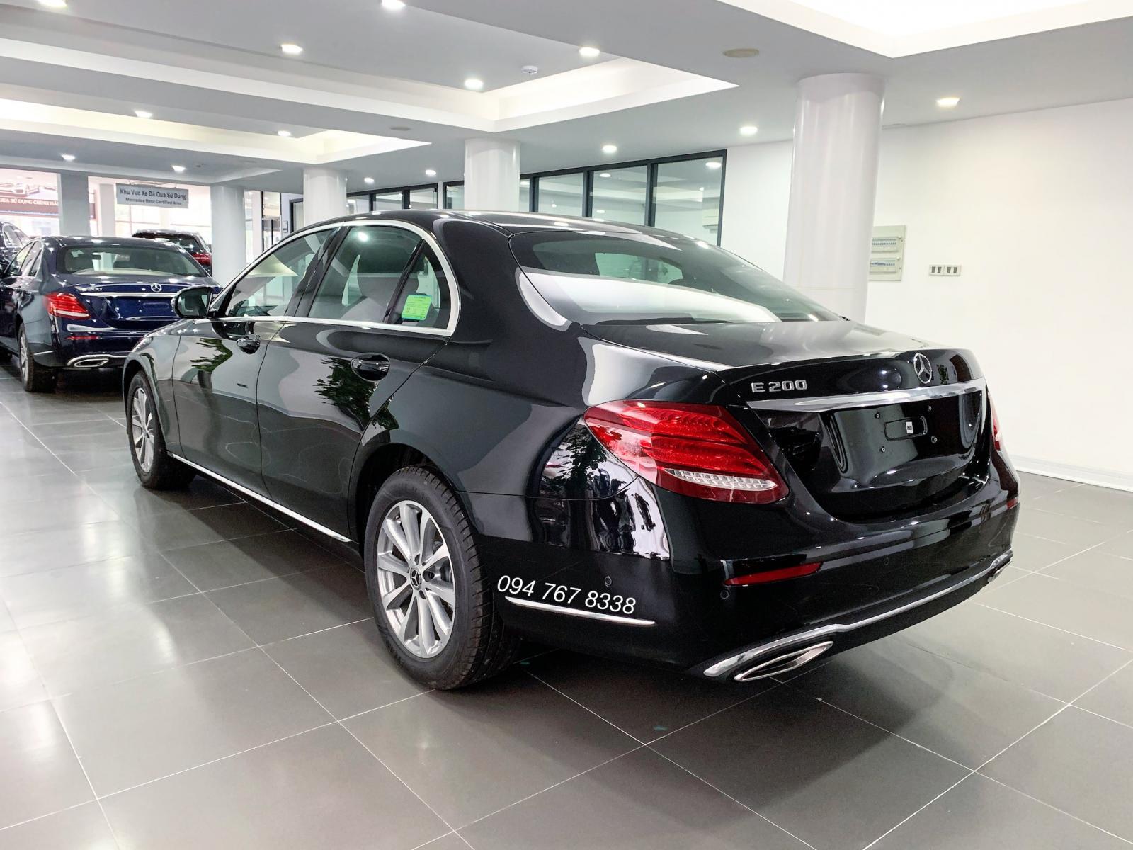Xe đã qua sử dụng chính hãng Mercedes E200 2020 siêu lướt, giá giảm sốc