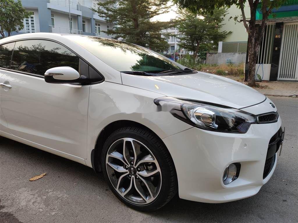Cần bán gấp Kia Cerato Koup sản xuất 2014, màu trắng, nhập khẩu