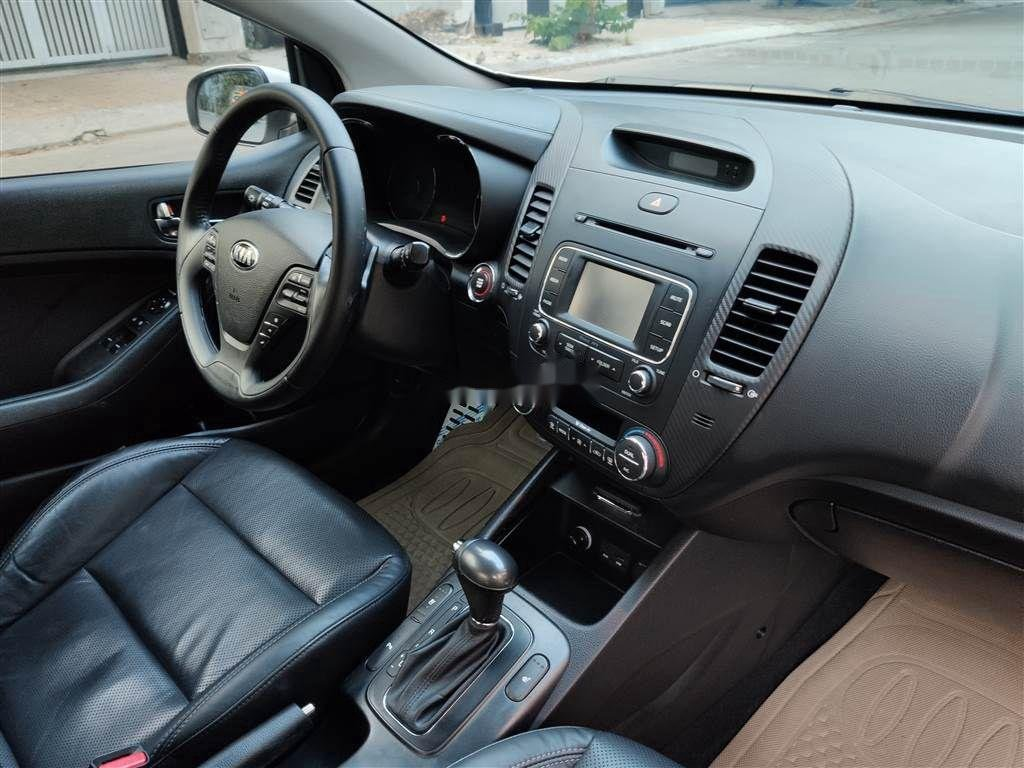 Cần bán lại xe Kia Cerato 2014, màu trắng, xe nhập, giá tốt