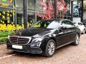 Bán Mercedes E200 2019 chính chủ chạy lướt giá cực tốt giá 1 tỷ 930 tr tại Hà Nội