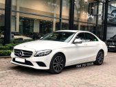 Cần bán gấp Mercedes C200 2019 màu Trắng chính chủ biển đẹp giá cực tốt giá 1 tỷ 450 tr tại Hà Nội