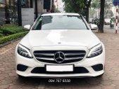 Cần bán gấp Mercedes C200 2019 màu trắng, chính chủ, biển đẹp, giá cực tốt giá 1 tỷ 399 tr tại Hà Nội